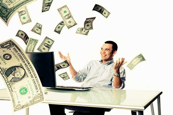 kiem tien bang poker live hay poker online